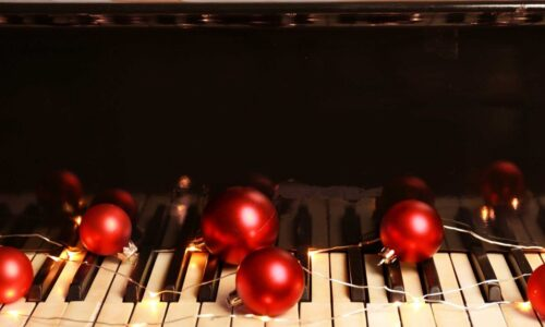 Piano with balls